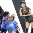 Anitta cantou na festa dos 25 anos da Fundação Xuxa Meneghel