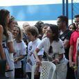 Sasha Meneghel e Bruna Marquezine compareceram à festa dos 25 anos da Fundação Xuxa Meneghel