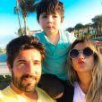 Jessica Costa e Sandro Pedroso em momento família durante viagem