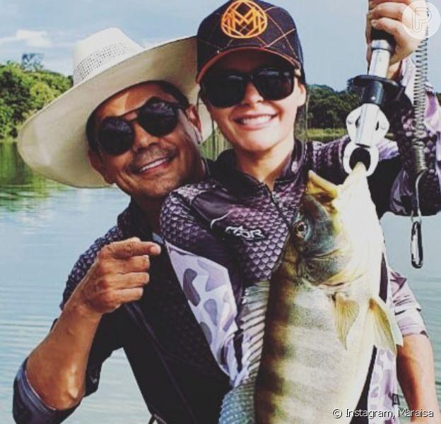 Maraisa curte pesca esportiva com o namorado, Fabrício Marques