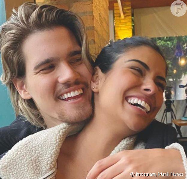 Munik Nunes mudou o visual e o namorado, Caio César, elogiou: 'Perfeita!'