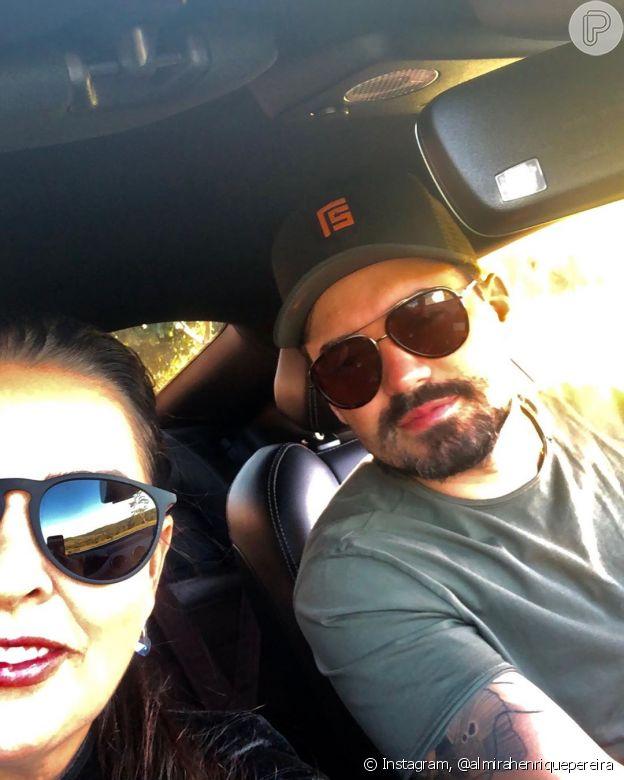 Mãe de Maiara posta foto com Fernando Zor e elogia cantor
