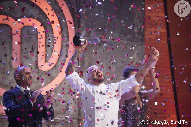 Rodrigo Massoni dedicou prêmio da 6ª temporada à irmã que faleceu