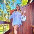 Andressa Suita  usa bolsa estilosa de nó para show de Gusttavo Lima