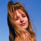 Larissa Manoela combina biquíni com laço de cabelo em dia de praia: 'Gata'