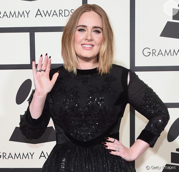 Adele e Brad Pitt juntos? Novo casal é fake news, aponta site. Saiba mais em matéria nesta quinta-feira, dia 20 de agosto de 2020