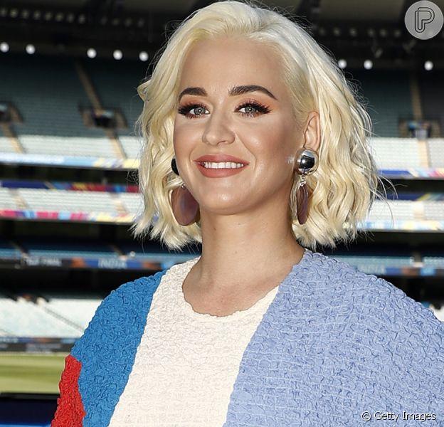 Katy Perry exibe corpo 4 dias após parto