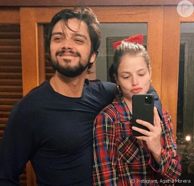 Agatha Moreira e Rodrigo Simas estão com coronavírus
