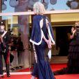 O vestido escolhido por Cate Blanchett tinha recorte nas costas