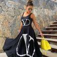 Andressa Suita usa body regata e saia da marca Valentino