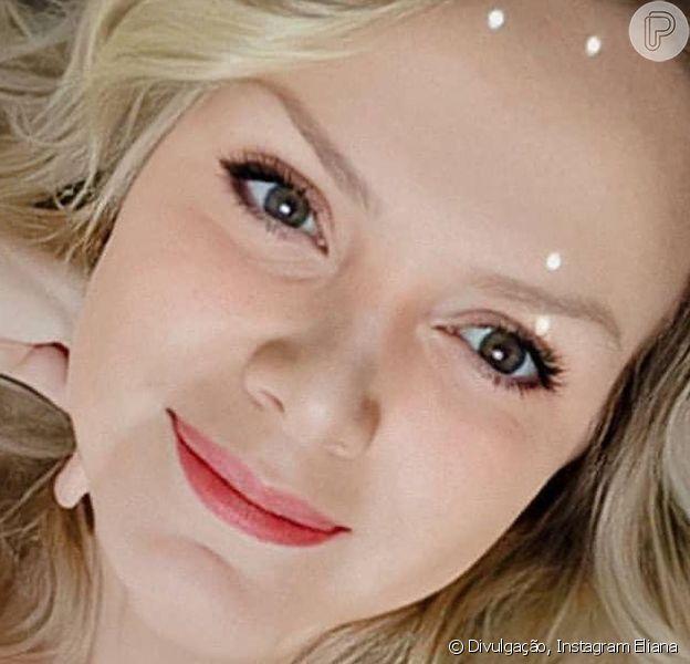 Eliana compartilhou com seus seguidores uma foto sua de biquíni quando tinha 20 e poucos anos