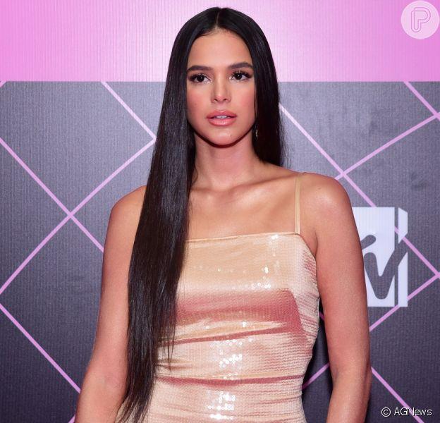 Fãs dão pitaco e querem Bruna Marquezine de cabelo longo no MTV Miaw 2020
