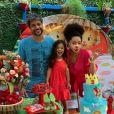 Juliana Alves e Ernani Nunes posam com filha em aniversário de 3 anos
