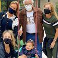 Ticiane Pinheiro reuniu os pais em foto com a filha caçula, Manuella, de 1 ano