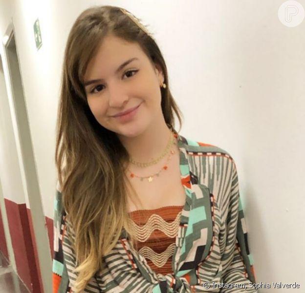 Sophia Valverde se machucou em acidente de bicicleta. Confira vídeo postado pela atriz!