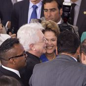 Aguinaldo Silva é tietado por Dilma Rousseff: 'A presidenta adora Império!'