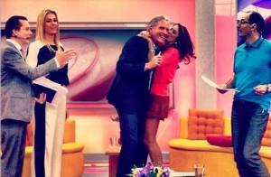 Roberto Justus ganha beijo de Ticiane Pinheiro em visita ao 'Programa da Tarde'