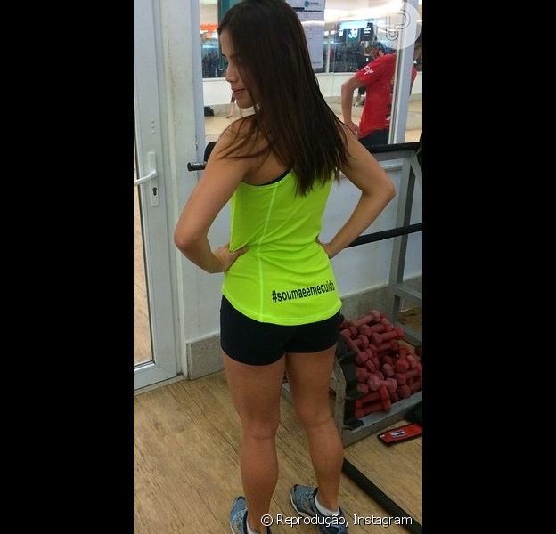 Pérola Faria conta segredos da boa forma: 'Há quatro anos substituí a musculação pela ginástica localizada'