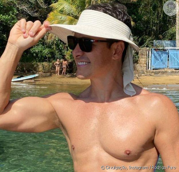 Rodrigo Faro surge sem camisa e detalhe em foto chama atenção da web, em 6 de dezembro de 2020