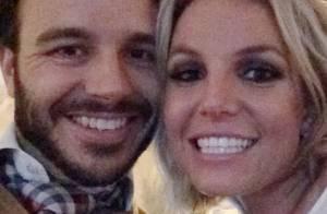 Britney Spears divulga primeira foto ao lado do novo namorado, Charlie Ebersol