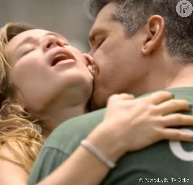Mariana Ximenes e Márcio Garcia protagonizam cenas quentes na nova série do 'Fantástico', 'Eu que amo tanto'