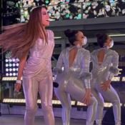 Réveillon de Anitta na Times Square: detalhes do look e performance completa. Vídeo!