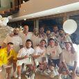 Neymar posa com parças em festa de Réveillon