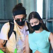 Whindersson Nunes volta ao Brasil com a namorada após temporada no México