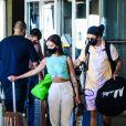 Whindersson Nunes e a namorada, Maria Lina, chegam ao Brasil após férias no México
