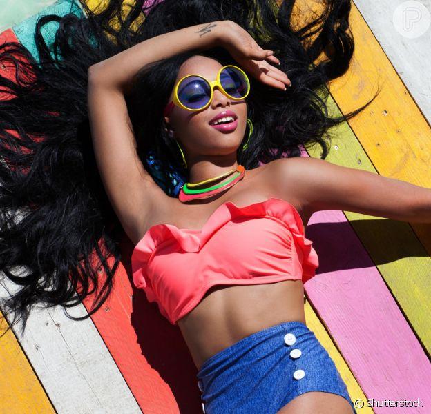 Biquíni de cintura alta: 6 versões do beachwear para ter ainda nesse verão