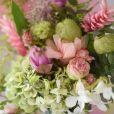 Decoração com flores e plantas é divulgada por Carol Dias na web