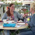 Ana Maria Braga toma café com Susana Vieira ao apresentar 'Mais Você' na Disney. Atriz diz que visita o parque para encontrar os netos