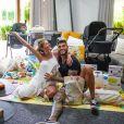 Lorena Carvalho e Lucas Lucco compartilham as tarefas com o bebê