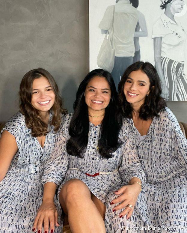 Foto de Bruna Marquezine com a irmã, Luana, e a mãe, Neide, impressiona web
