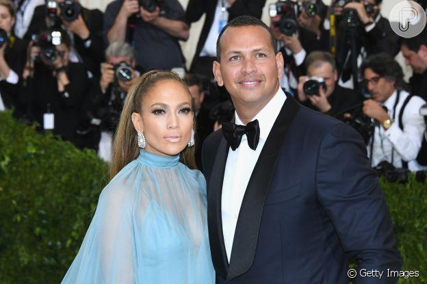 Ex-noivo de Jennifer Lopez, Alex Rodrigues postou indireta para a artista