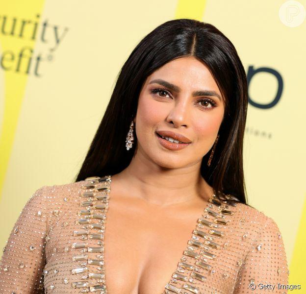 Priyanka Chopra Jonas usou vestido de quase 40 quilates de diamantes no Billboard Awards 2021