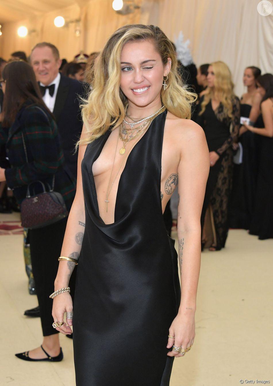 Miley Cyrus elogiou Elliot Page em comentário e animou fãs