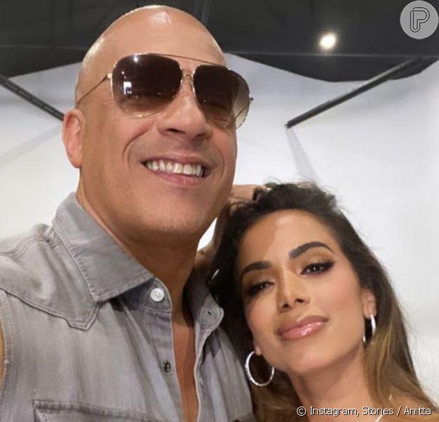 Anitta faz selfie com Vin Diesel em bastidores e empolga web