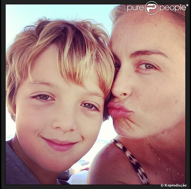 Em seu Instagram, Angélica prestou homanegem ao filho mais velho, Joaquim. O menino faz oito anos nesta sexta-feira, 8 de março de 2013