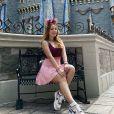 Larissa Manoela está passeando pela Disney