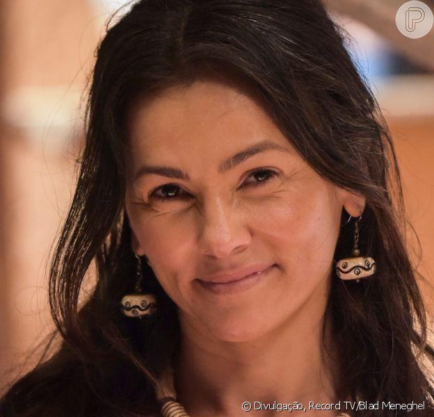 Novela 'Gênesis': Labão (Heitor Martinez) pede Salma (Suzana Alves) em casamento após beijo