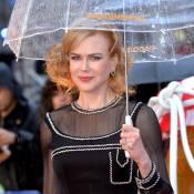 Nicole Kidman lança filme infantil em Londres e posa para foto com fã mirim