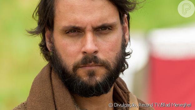 Novela 'Gênesis': Rúben (Felipe Cunha) é pressionado por Simeão (Igor Cotrim) a esconder venda de José (Juliano Laham) do pai