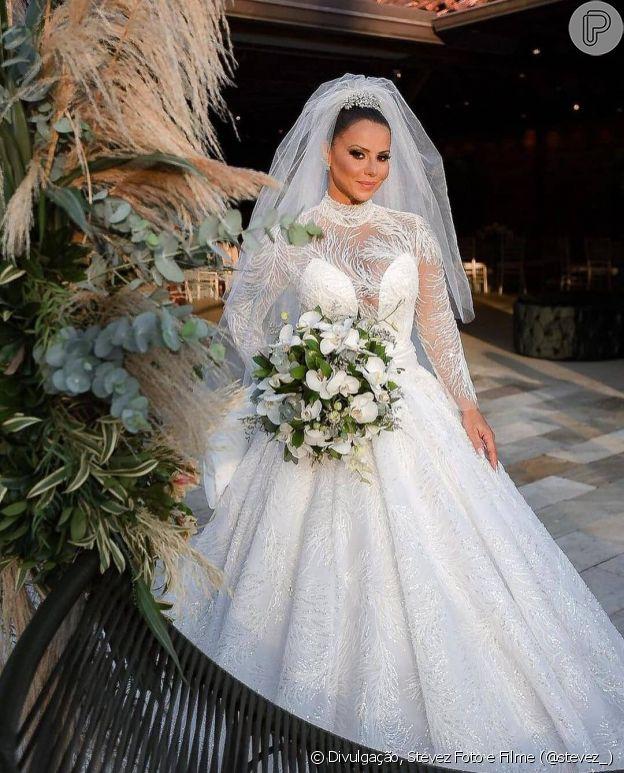 Vestido de noiva de Viviane Araújo foi no estilo princesa