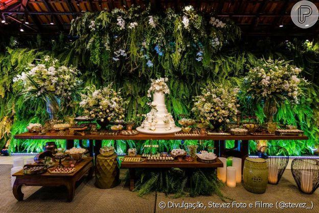 Casamento de Viviane Araújo teve mesa de doces farta