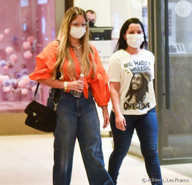Jeans vezes três! Maiara, Maraisa e Marília Mendonça usam trend em looks com estilos diversos