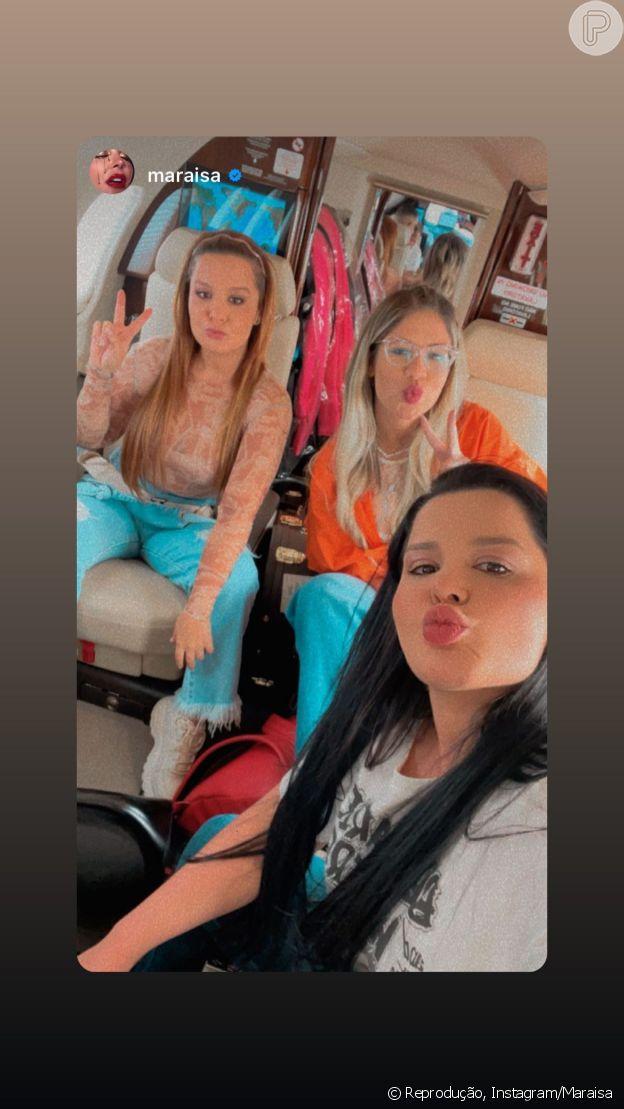 Looks de Maraisa e Marília Mendonça têm calça jeans como protagonista