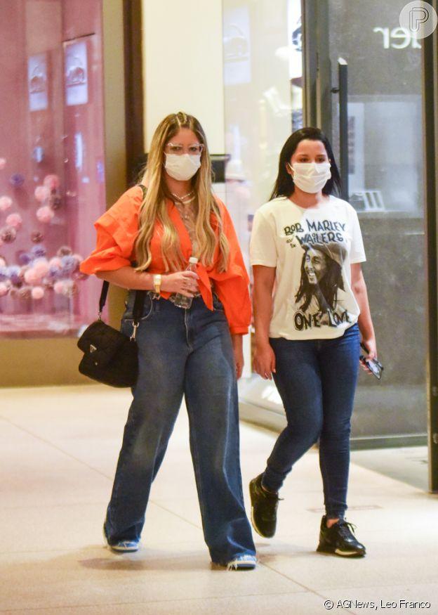 Marília Mendonça e Maraisa escolheram jeans diferentes para looks