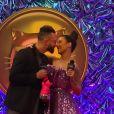 Bianca Andrade é tietada pelo noivo, Fred, no tapete vermelho do MIAW 2021