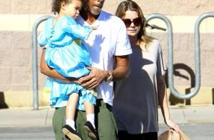 Ellen Pompeo, de 'Grey's Anatomy', passeia com filha e marido em Los Angeles